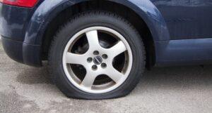 Flat tire- Image courtesy Pixabay.com